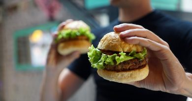 5 Clever hacks to train your brain to hate junk food