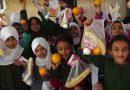 Gratis ontbijt haalt 500 meisjes weer naar school in Jemen
