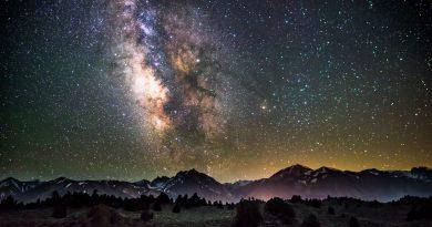 Luister naar deze fascinerende muziek, gecomponeerd door sterren